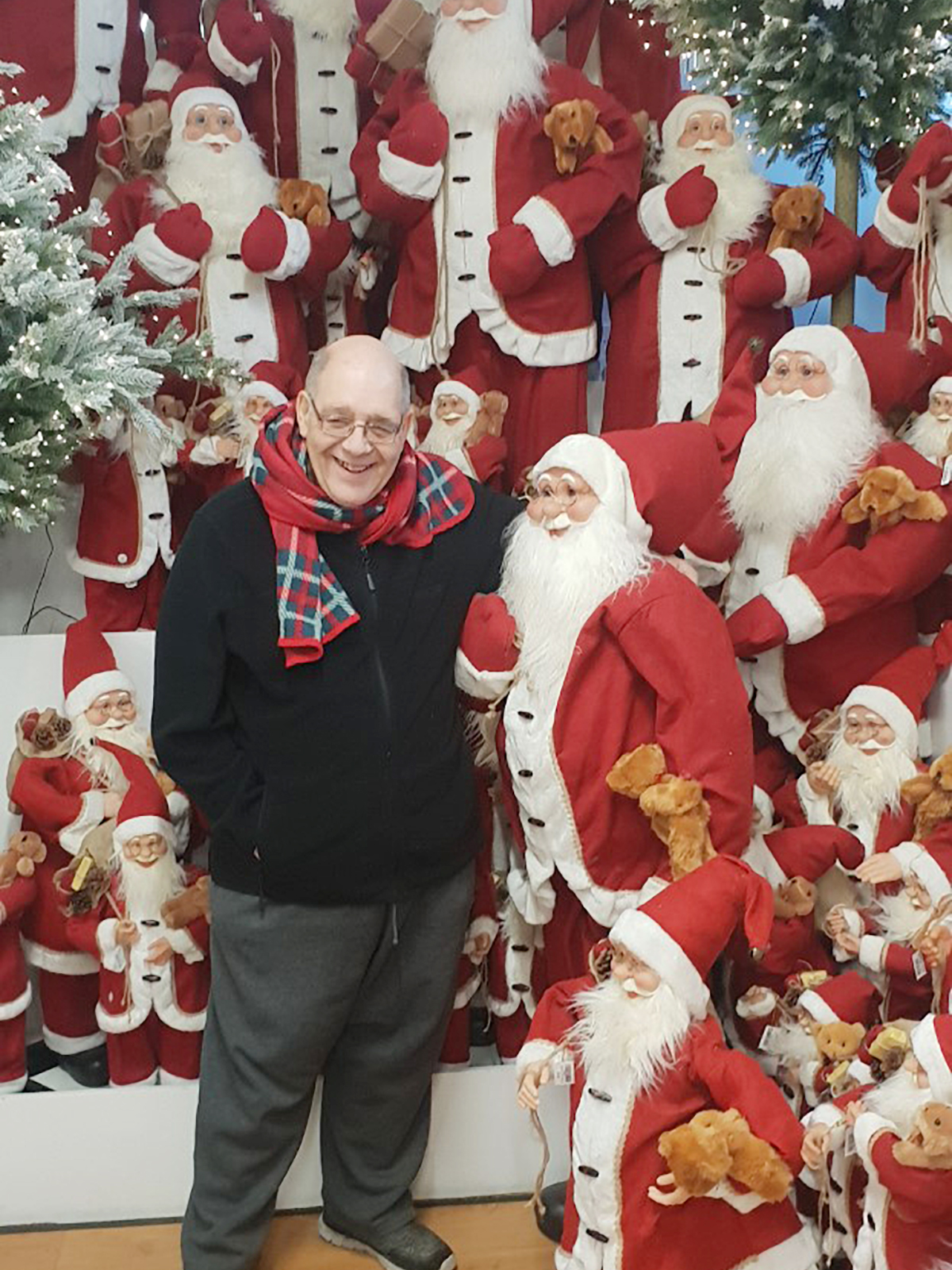Lukestone Care Home Residents Enjoy A Festive Trip To Polhill Garden Centre